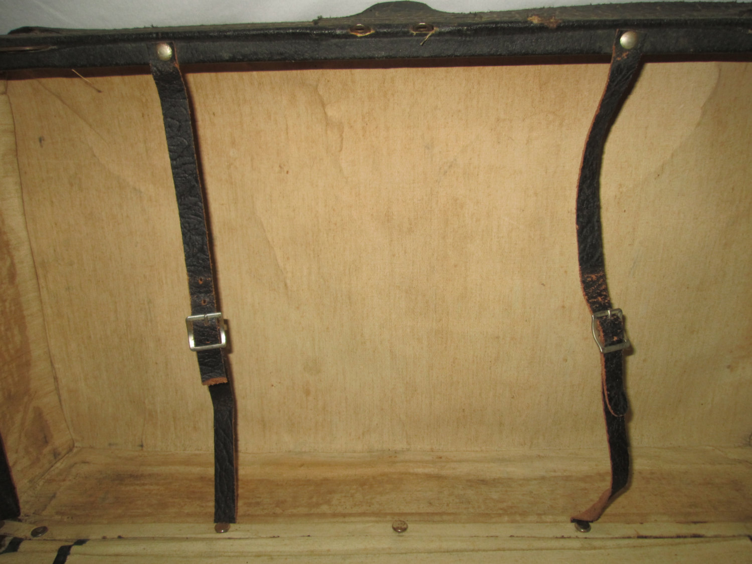 Antique 1800 S All Leather Suitcase Display Home Decor Black Exterior Very Clean Inside Beige Fabric