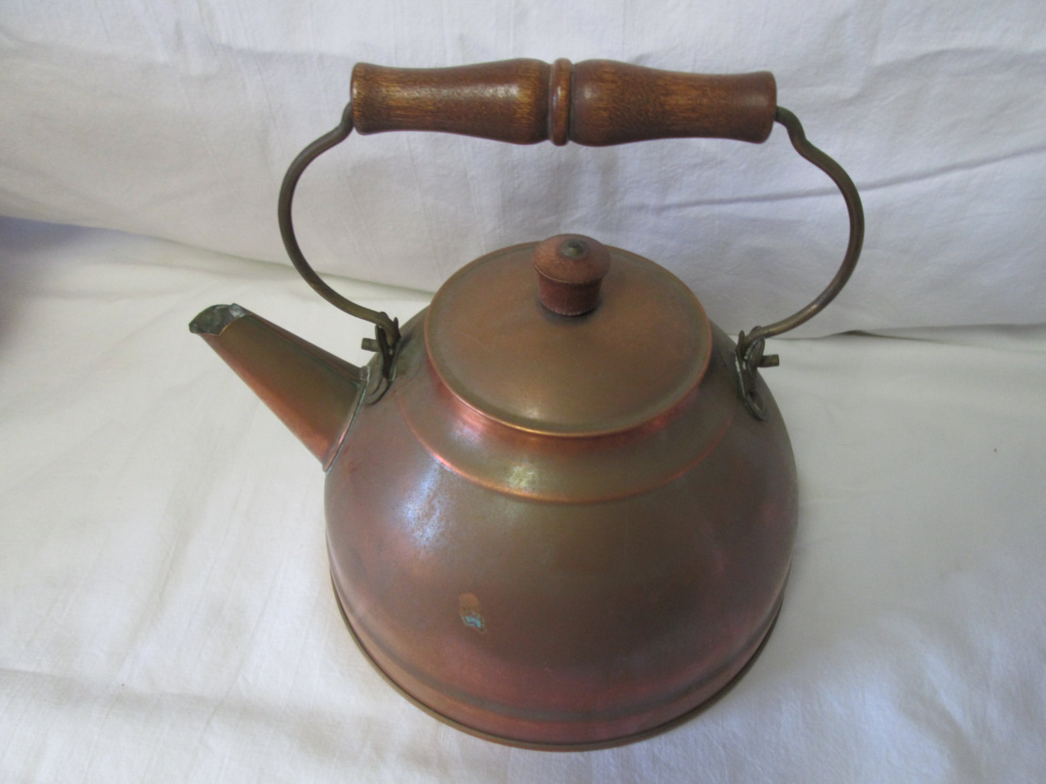 Antique copper tea kettle teapot tea pot stove top copper with wooden handle Revere ware all copper