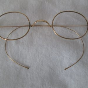 Antique Wire Rim Glasses in original case S. Evans & Co.  Great condition very fine quality