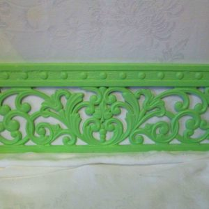 Beautiful Antique Grate Heater Wall Orante Cast iron Grate Painted Apple Green Stunning