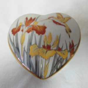 Beautiful Covered Trinket Jewelry Box Action Mid Century Japan Porcelain Floral Iris & Hummingbird