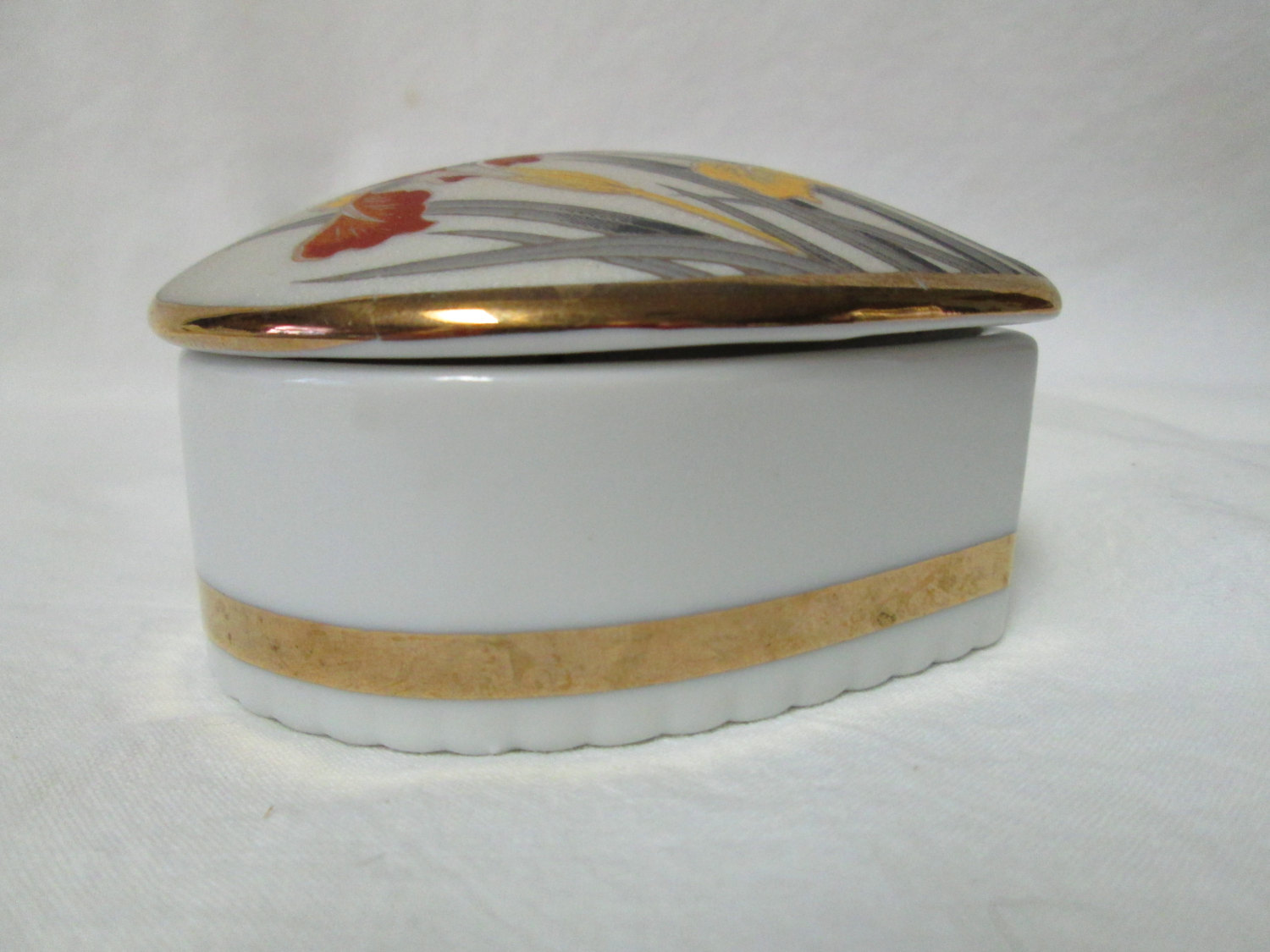 Beautiful Covered Trinket Jewelry Box Action Mid Century Japan ...