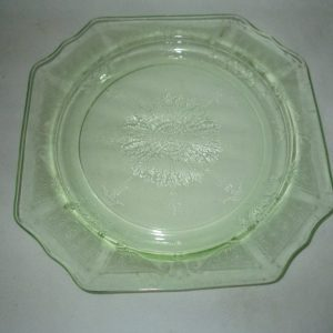Beautiful Depression Glass Green Uranium Glass Octagonal Plate patterned decorative serving plate cookie tort serving plate