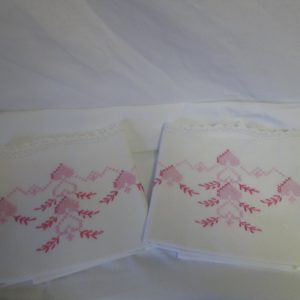 "Beautiful Hand Crochet & Embroidered Pillowcase pair No Iron Percale Pink hearts and leaves blue 21"" x 29"" Ivory"