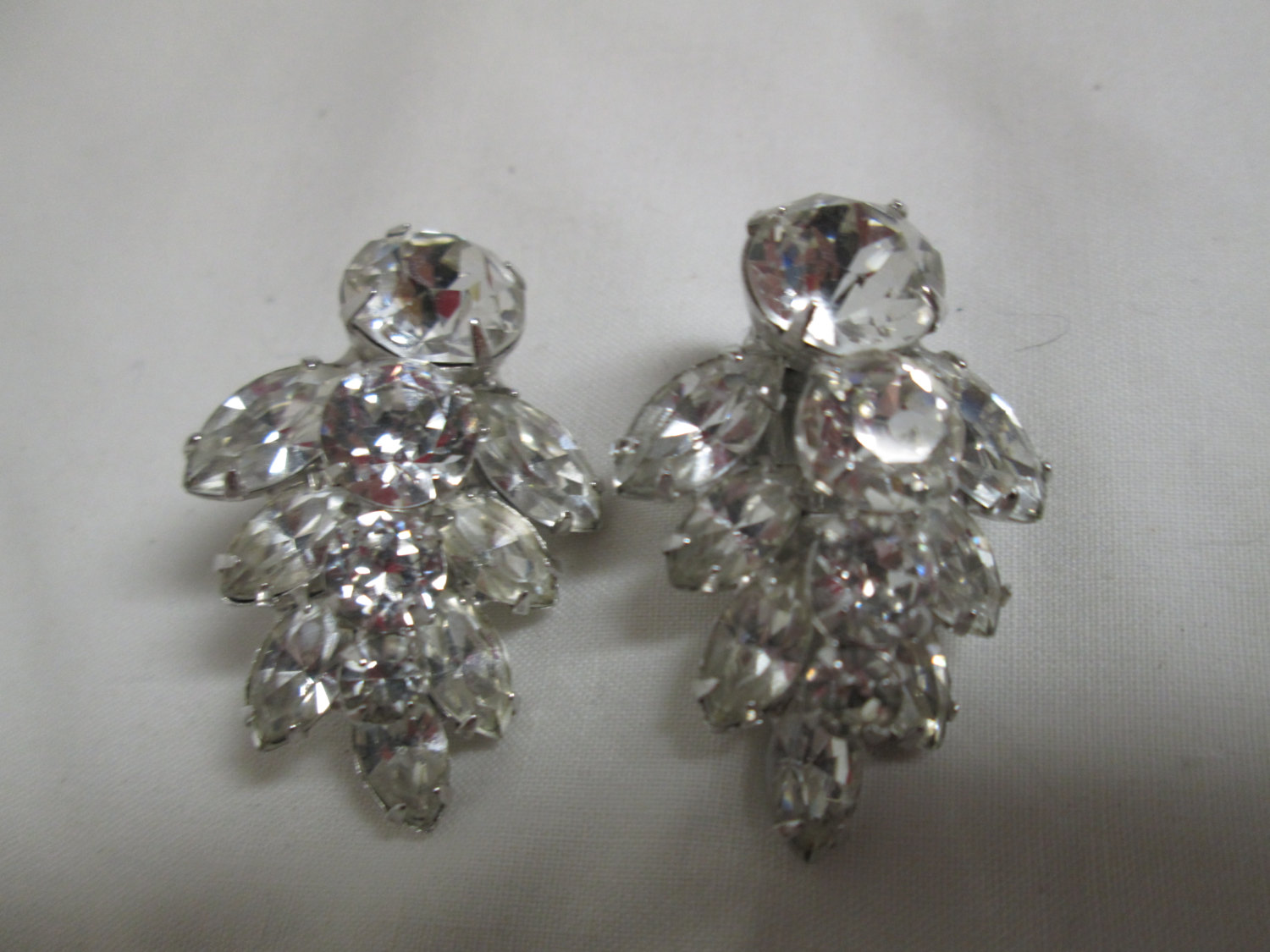 Beautiful Large Rhodium Plated Eisenberg Ice Clip Earrings Rhinestones Signed Jewelry Wedding Evening Special Occasion