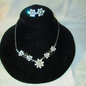 Beautiful Silver tone and Rhinestone Necklace and matching pierced earrings 1/20 12 Kt GF White gold Star Art Brand