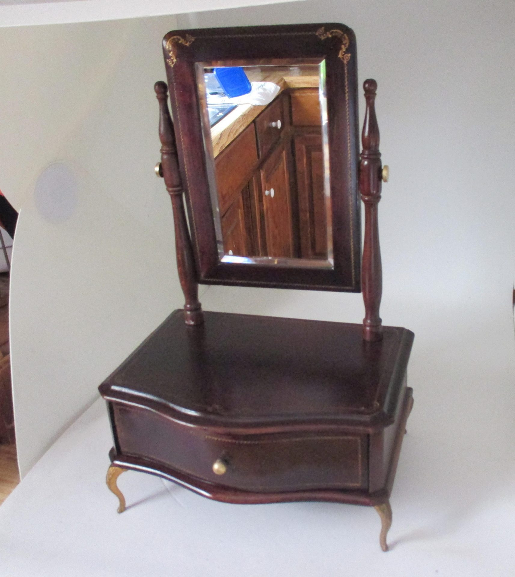 Beautiful Victorian Beveled Mirror Dresser Style Jewelry Box Ornate