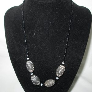 Beautiful Vintage Black Beaded pottery and glass bead Necklace with barrel clasp