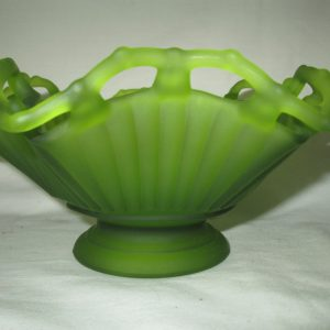 "Beautiful Vintage Bright Green Scalloped Lattice bowl Reticulated Edge and a collar base 6"" across 4"" tall"