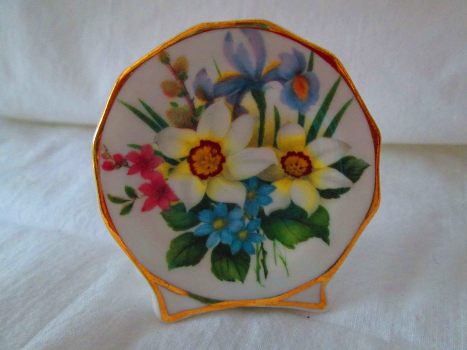 Beautiful Vintage Miniature floral plate vase home accents home ...