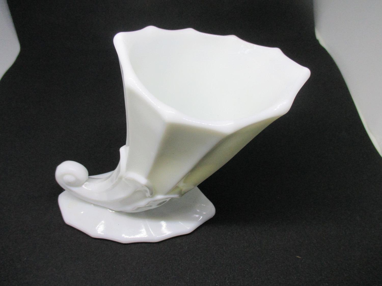 Beautiful White Milk Glass Horn Vase Art Deco Shabby Chic