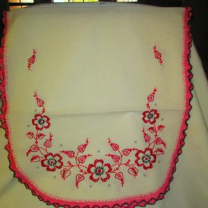 Fantastic Embroidered Crochet Trim Dresser Scarf Pink and Black Roses art deco 1940's