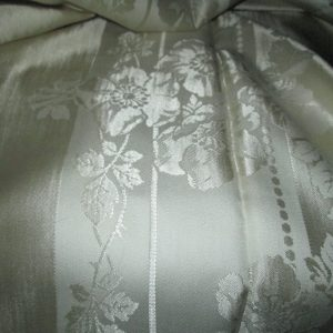 "Fantastic Vintage Banquet size tablecloth Damask with 10 Napkins Floral 62"" x 122"" Napkins 18"" x 18"" Beautiful Condition"