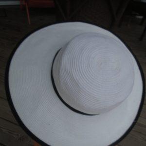 Fantastic Vintage Kentucky Derby Hat Raffia White with Black Fabric Trim Large brim Toucan New York