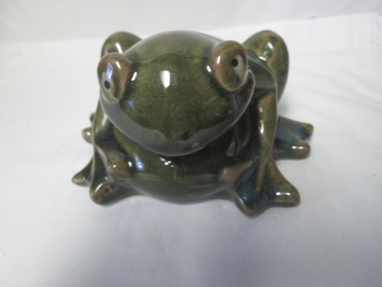 Fantastic Vintage Pottery Frog Figurine Great Detail Garden Decor Home Decor  Collectible Frog