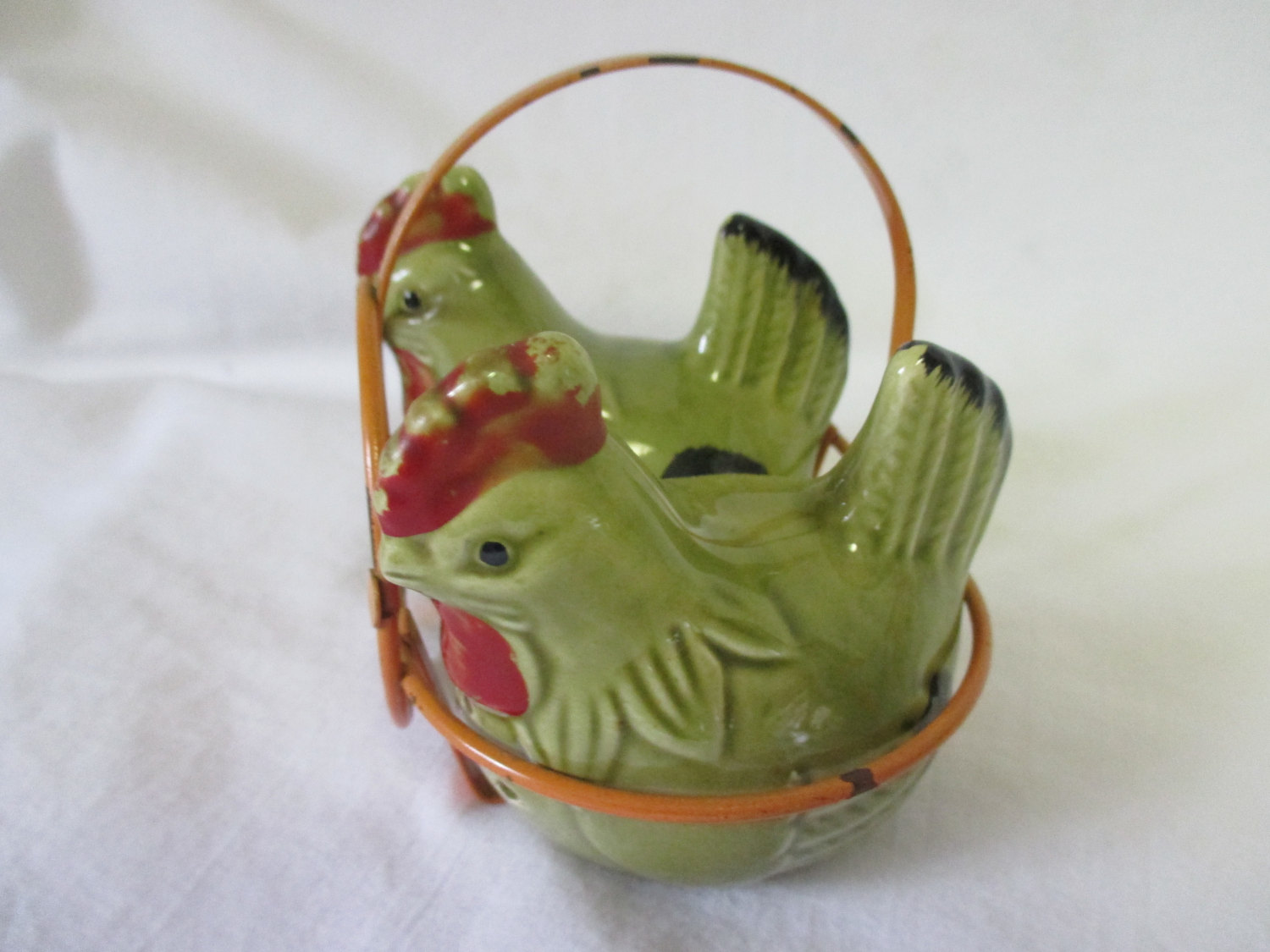 Mid Century Japan Pair of Chickens in a Metal basket Pottery Green Chicken Collectible Display Salt & Mid Century Japan Pair of Chickens in a Metal basket Pottery Green ...