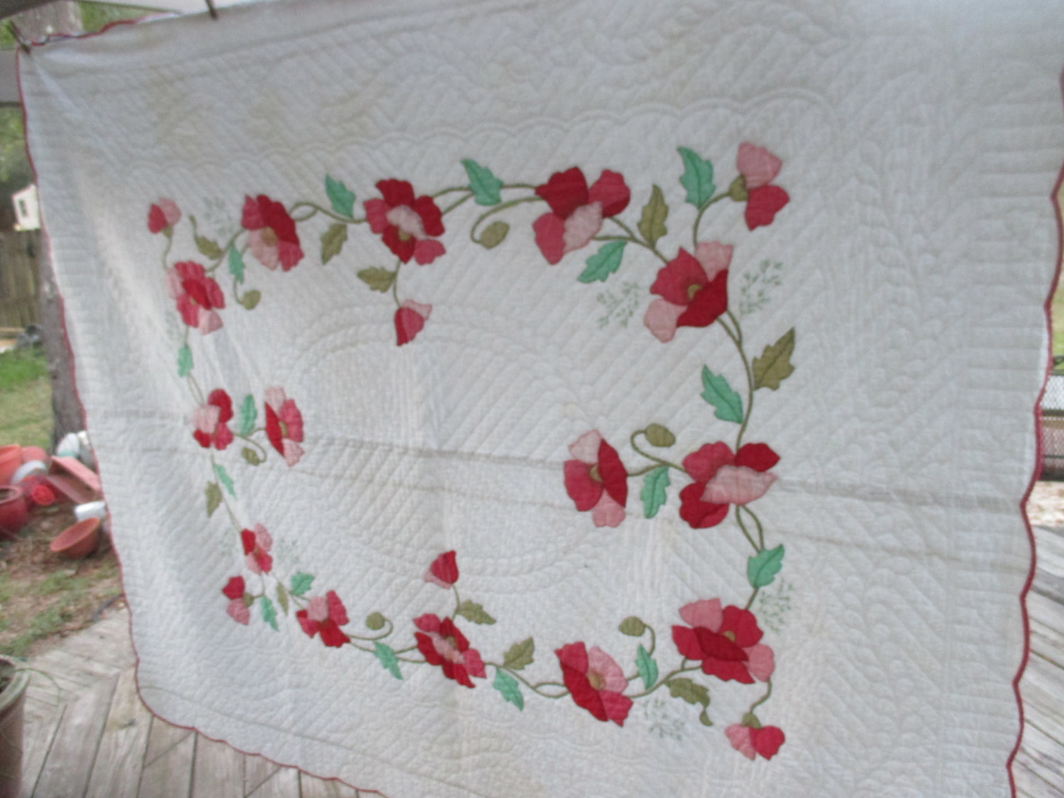 Vintage Hand Sewn Applique Quilt Red And Pink Flowers Stunning