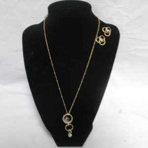 Vintage Jewelry a Beautiful Gold Tone and Jewelry Set Earrings and Necklace Crystals