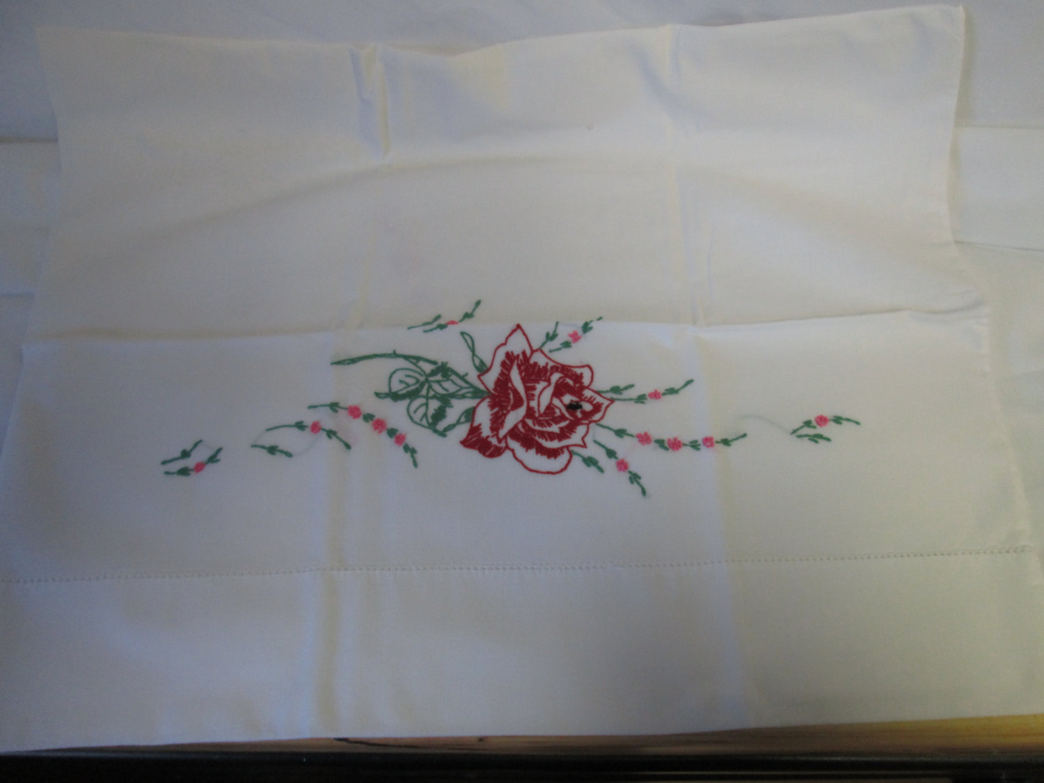 Vintage Single Pillowcae Embroidered With Crochet Trim Red Rose