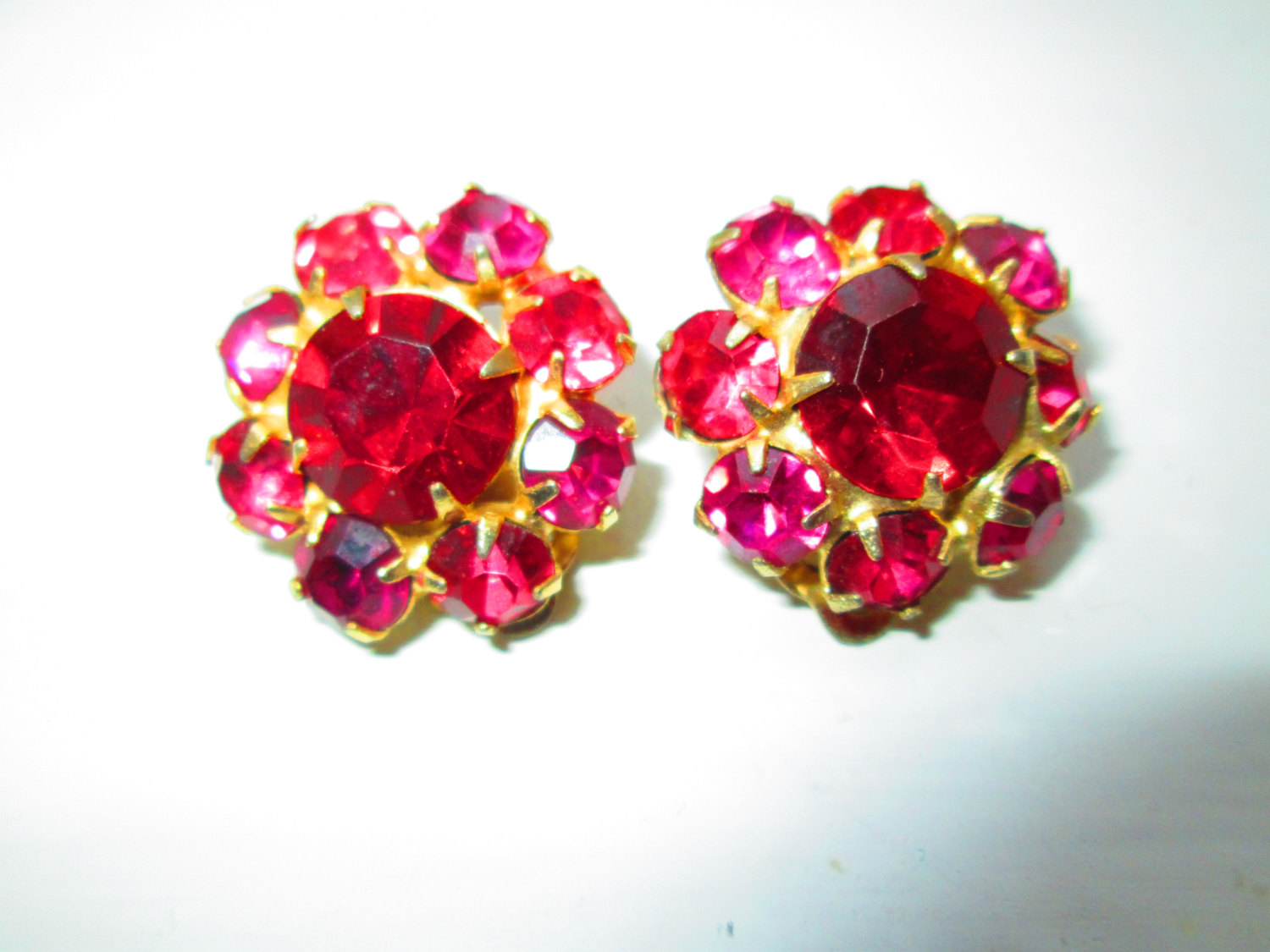 Vintage Stunning Pink And Light Rhinestone 1950 S Clip Earring 1 Across Really Neat Rhinestones