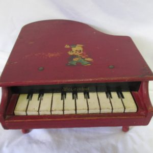 Vintage Wooden Working Piano Child's toy Display Collectible German Sci,cznhut Nice condition wood 10 key piano on legs