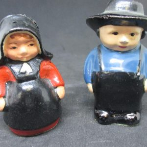 Amish Man and Woman Couple Metal Salt & Pepper Shaker Farmhouse Collectible Cottage Shabby Chic display original stoppers Altoona PA