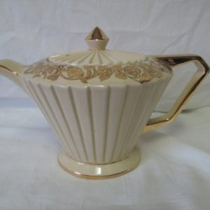 Antique Ivory Teapot Ribbed fan pattern with gold overlay floral pattern top no damage crazed inside Sadler England