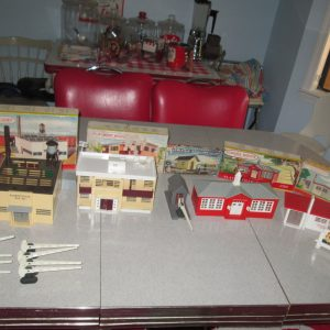 Bachmann Lot of Plasticville Early 50's O and S scale Snap together Buildings Factory  Apartment TV station WPLA School Church Shanty & more