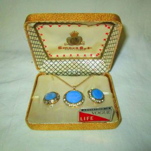 Beautiful BRJ SmartSet Blue Jewelry Set with rhinestones Necklace & Matching Earrings Gold tone Advertised in Vogue and Life Magazines