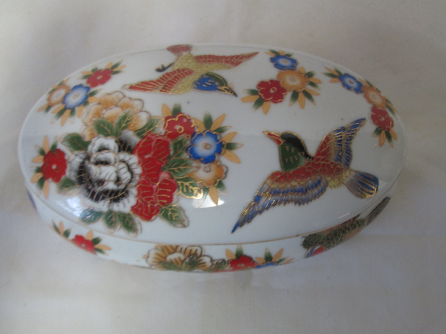 Beautiful japanese covered trinket or jewely dish bird and flowers bright and vivid colors fine china 1940's Oval