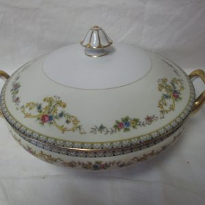 Beautiful Noritake Japan Mid Century Fine Bone China Floral Pattern Large Covered Vegetable Bowl