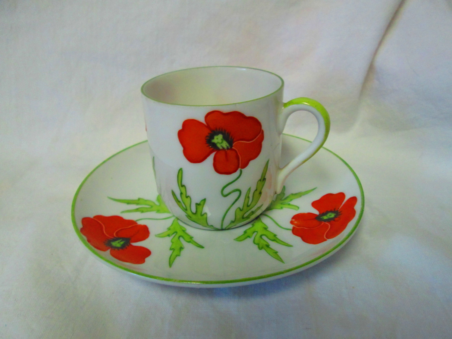 Beautiful Poppy Demitasse Tea Cup And Saucer Made In Germany Bright