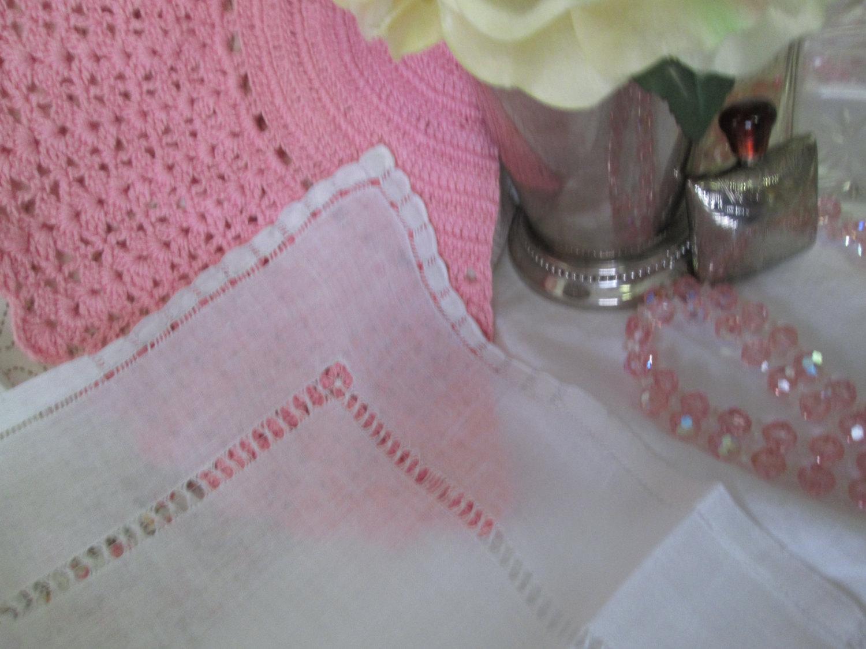 Beautiful White hand drawn cotton lace and cut work hankie handkerchief