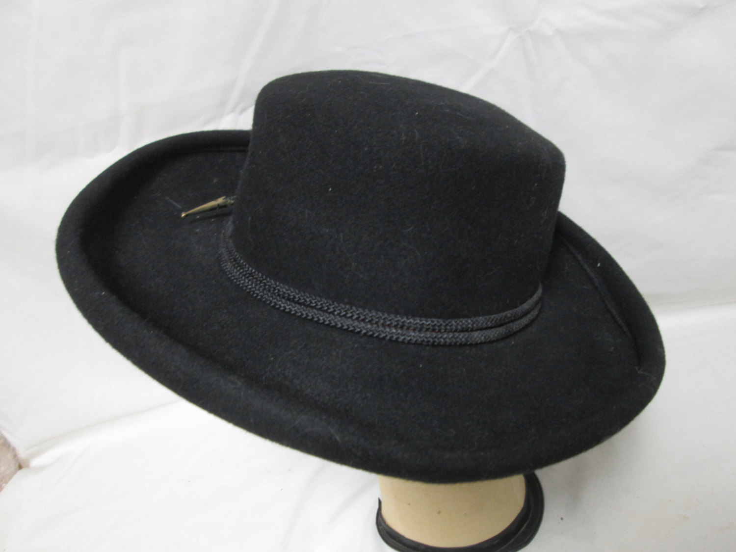 e256cc3ab7841 Fantastic Black 100% Wool Fedora Hat Women s Womens hat wool Bollman USA  1940 s with Lanyard