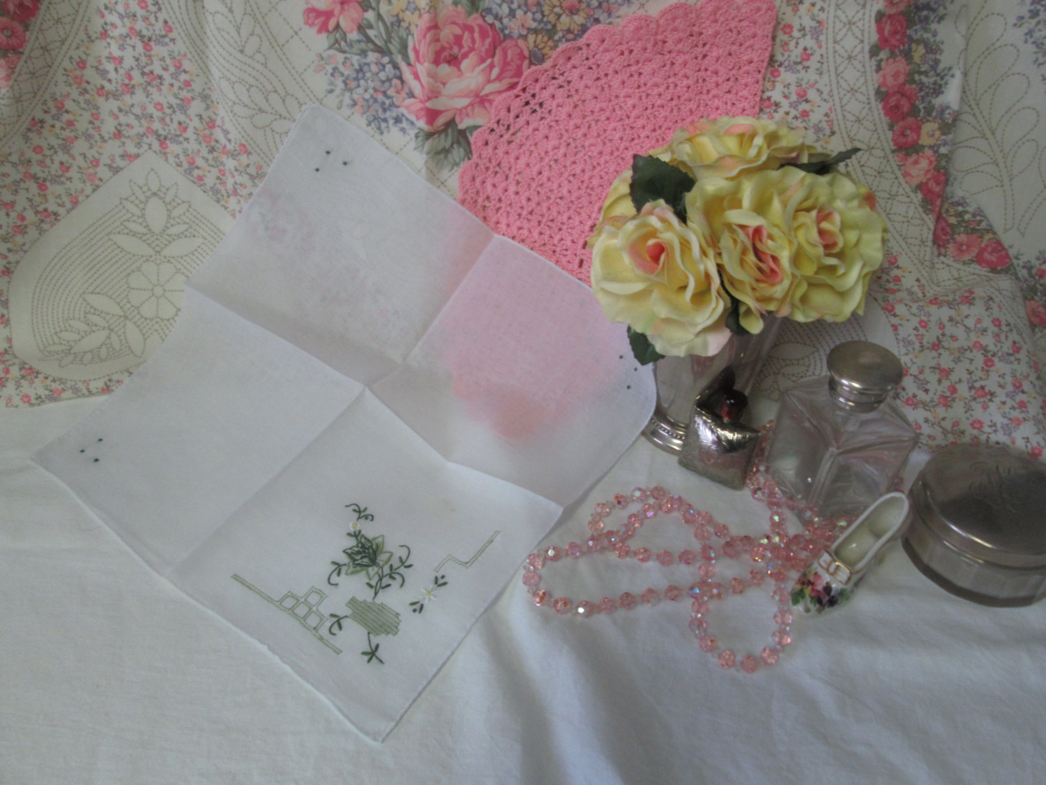 Greatly detailed cotton hanky handkerchief green cut work and embroidery floral shabby chic collectible display wedding holiday cottage