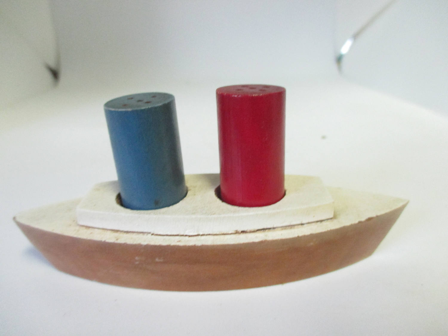 Mid Century Wooden Boat Salt and Pepper shakers Stacks cottage collectible display farmhouse country Blue and red Dinning Kitchen Nautical