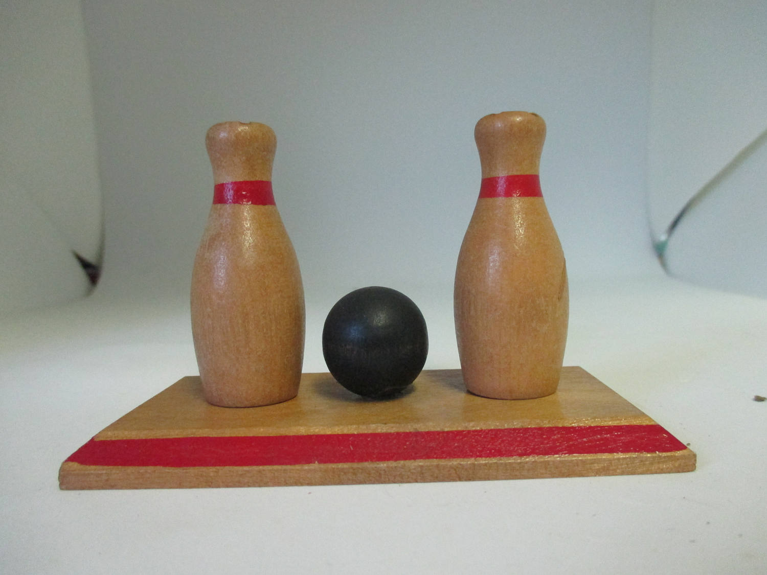 Mid Century Wooden Bowling Pins & Ball Salt and Pepper shakers cottage collectible display farmhouse country Kitchen dining