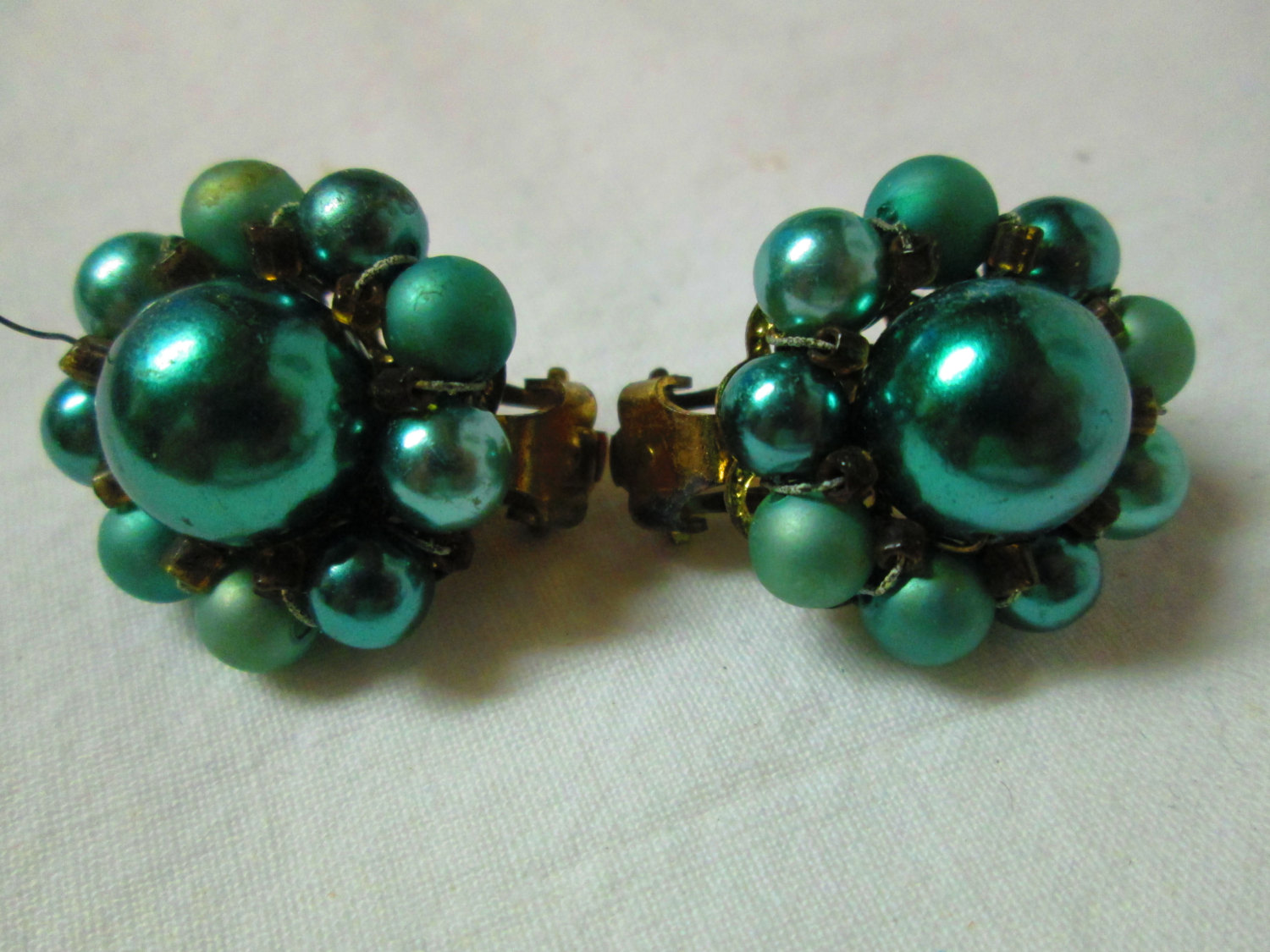 Really Neat Faux Pearl Earrings Mid Century Dark Aqua And Teal Beaded Clip Gold Tone