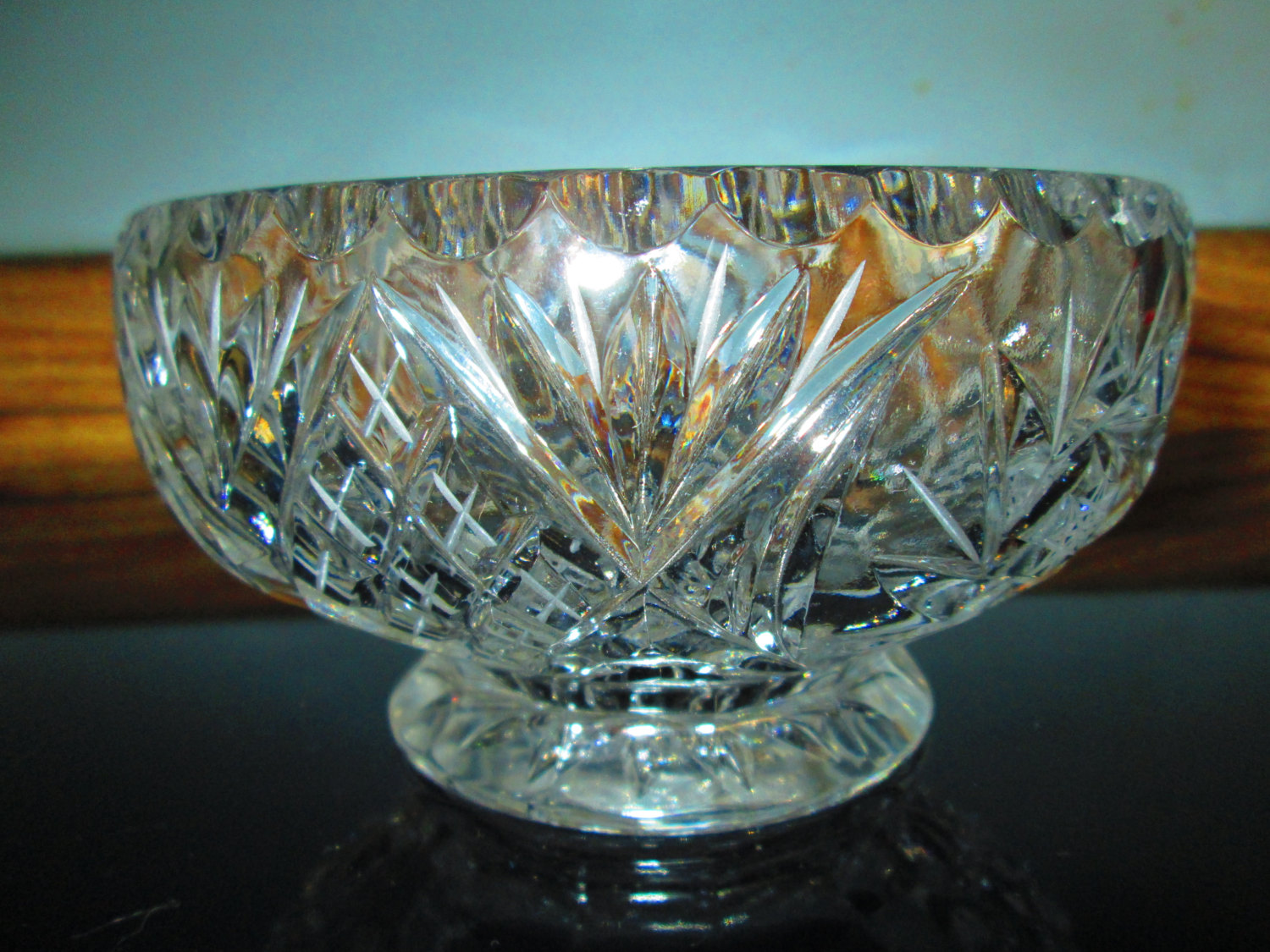 Stunning clear crystal pedestal base bowl dessert fruit Crystal home decor