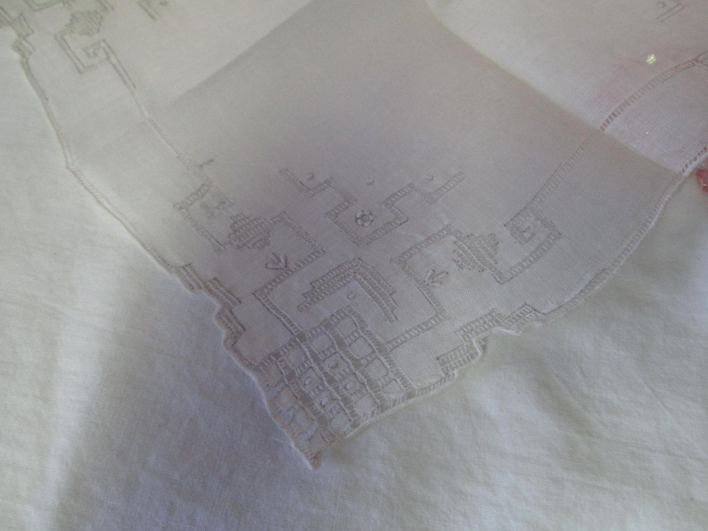 Stunning Cut Work Linen Hankie handkerchief pale grey trim work
