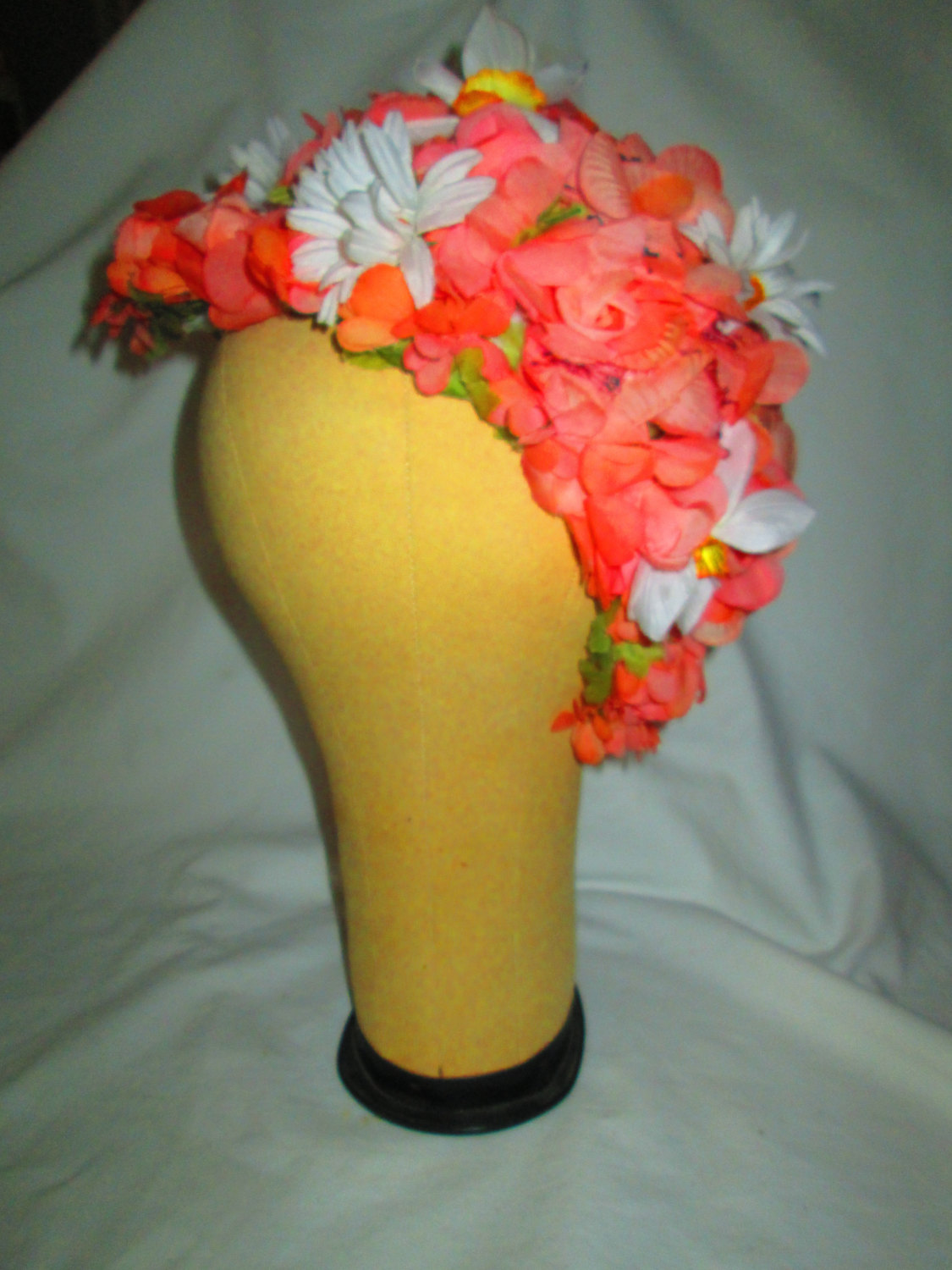 8d6fe460f4c Stunning Floral Hat Woven interior Peach white pink floral women s ...