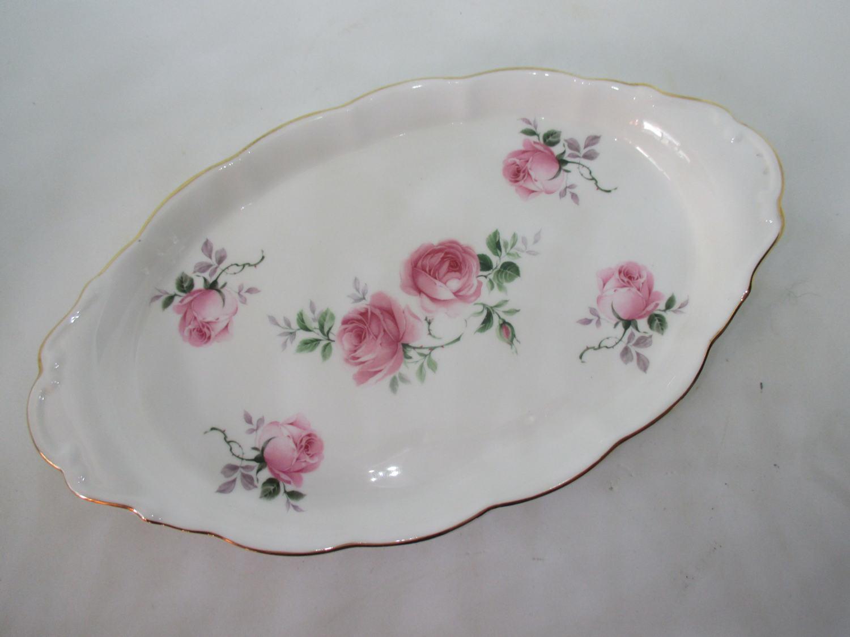 vintage fine bone china crown victorian dresser vanity tray pink roses gold trim beautiful. Black Bedroom Furniture Sets. Home Design Ideas