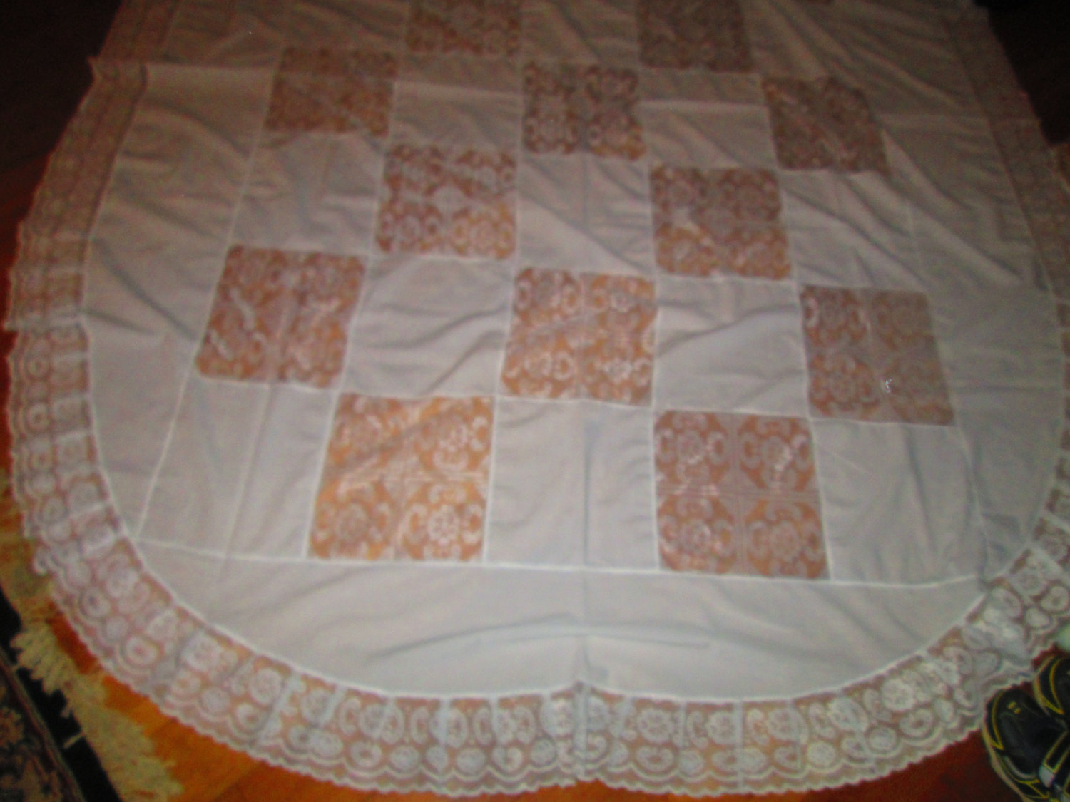 Vintage Lace And Cotton Oval Tablecloth Beautiful Pattern 60x64