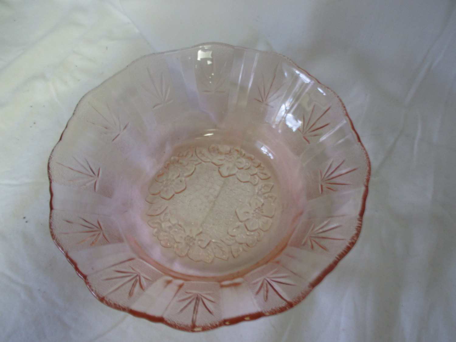Vintage Pink Depression glass bowl raised floral pattern ...