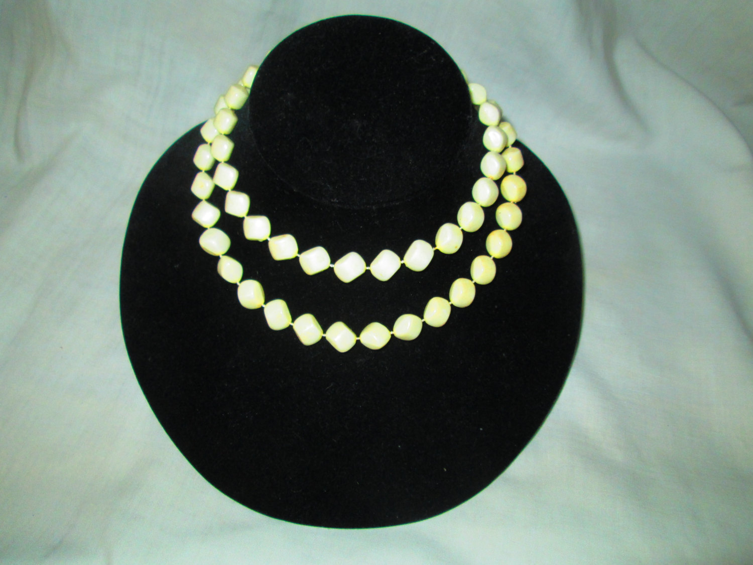 """Vintage white beaded necklace Mid Century 30"""" can be doubled Nice condition"""