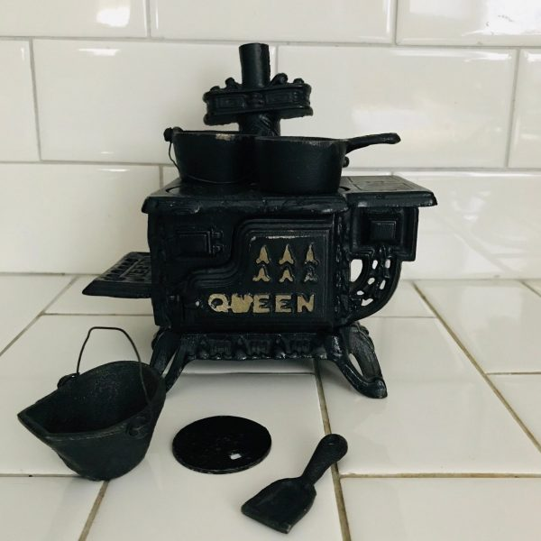 Salesman's Sample Queen Cast Iron Stove Complete with accessories collectible farmhouse display